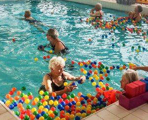 Stichting Hart in Friesland - Warrenhove : zwemfun voor ouderen